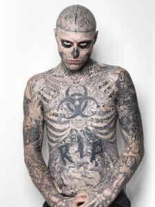 Zombie Boy Tattoo Model modella tatuaggi